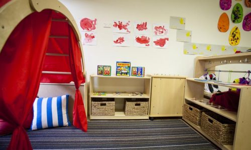 birchwood play shelter with shelves