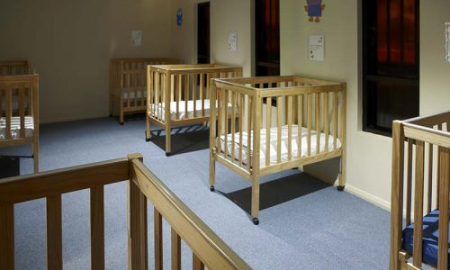 natural-wooden-cots