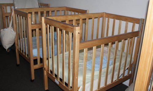 natural-wooden-cots